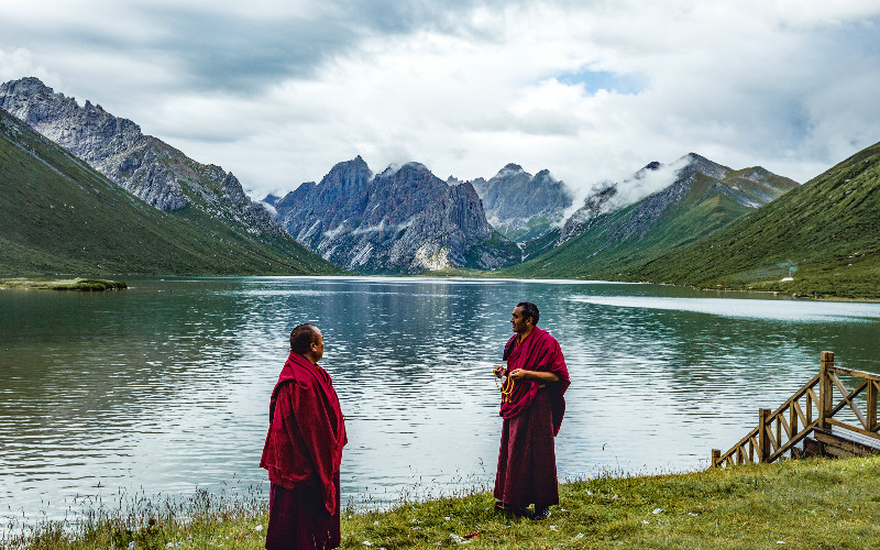 How to Deal with Altitude Sickness in Tibet