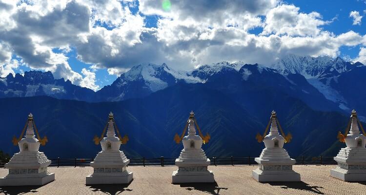 Feilai Temple's Meili Snow Mountain Viewing Platform