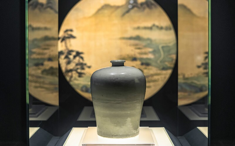 Shanghai Museum — a Modern Museum with Precious Chinese Cultural Relics