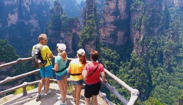Tourists in Zhangjiajie