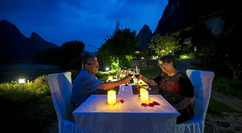 a candlelit dinner in yangshuo