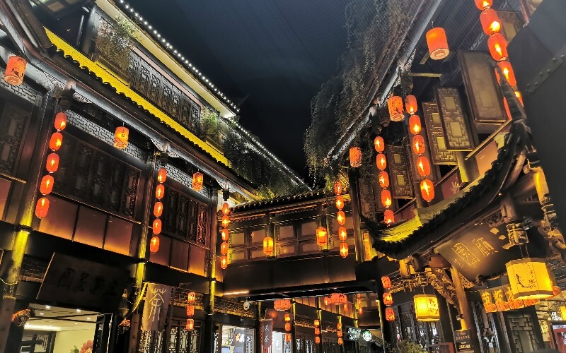 The Best Restaurants Around Chengdu's Major Attractions