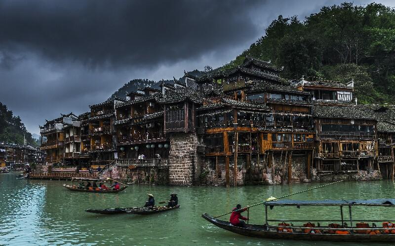 How to Travel from Zhangjiajie to Fenghuang