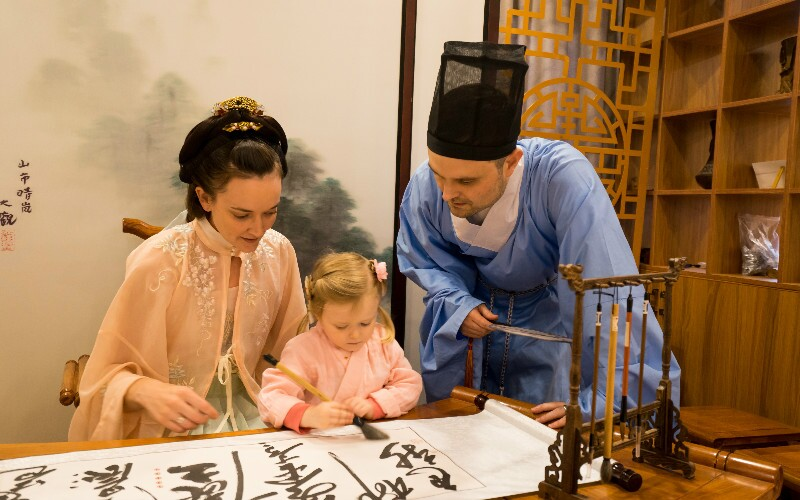 How to Buy Traditional Chinese Clothes in China