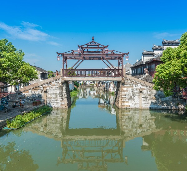 2-Day Essential Suzhou and Tongli Water Town Tour