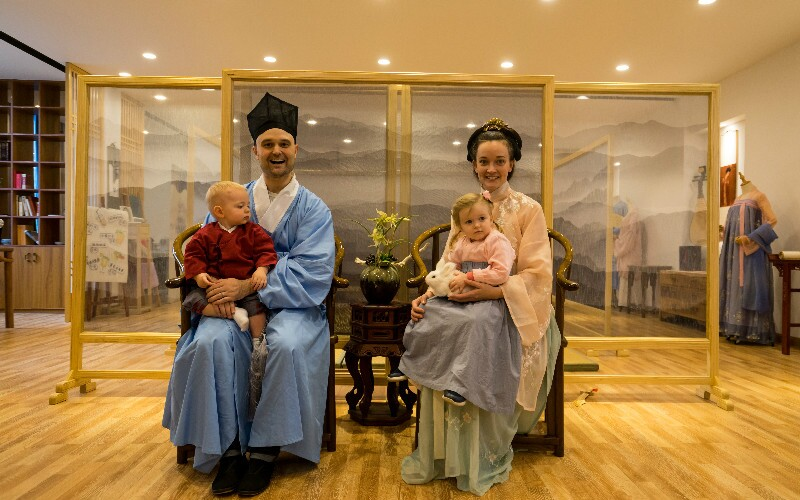 10 Essential Facts on Traditional Chinese Clothing
