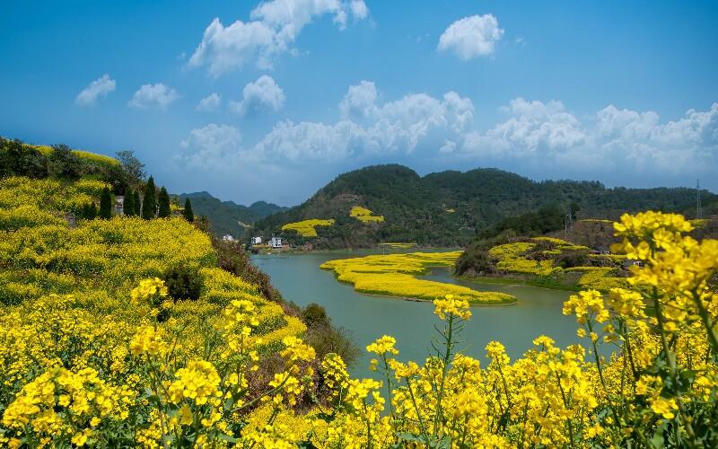 Xin'an River Hiking