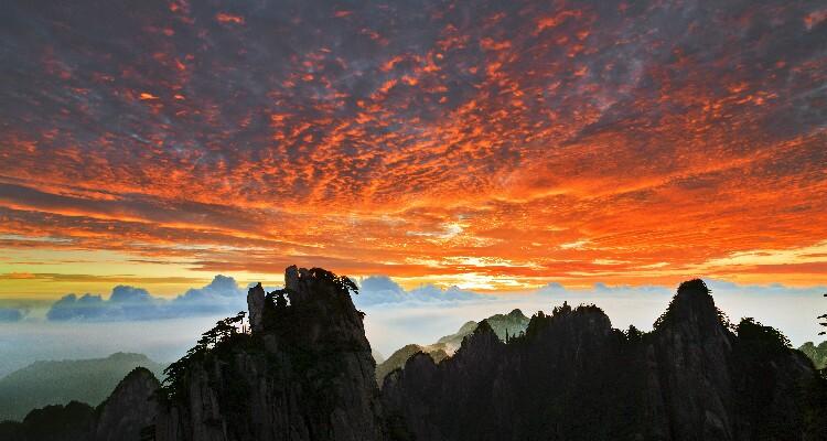 Sunset in Cloud-dispelling Pavilion