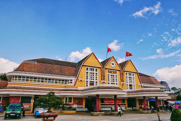 Buy Vietnamese Train Tickets