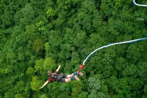 Bungee jumping in Zhangjiajie