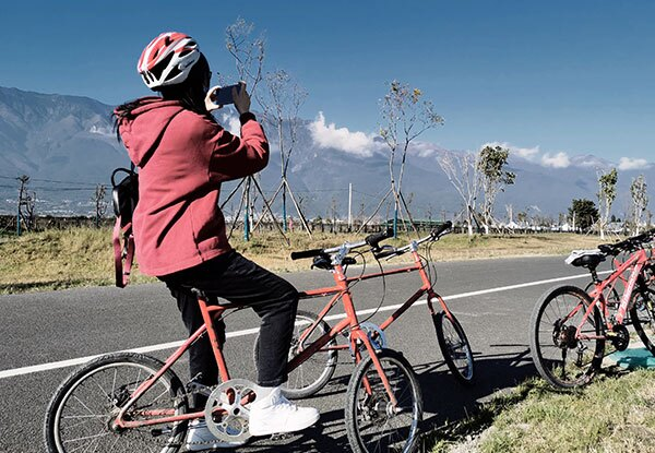 Biking to see cangshan mountain