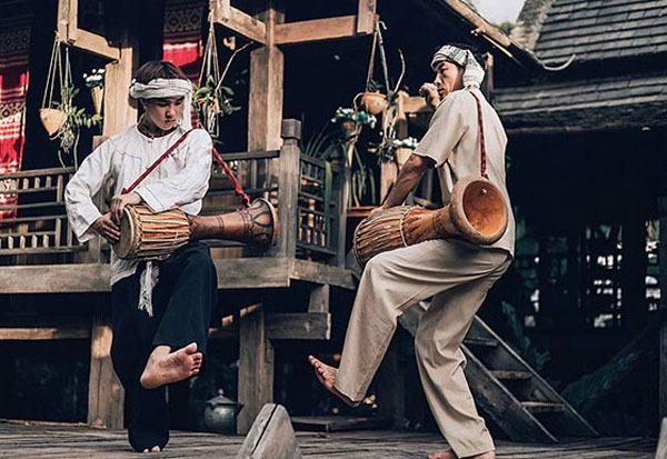 Dai people's dancing