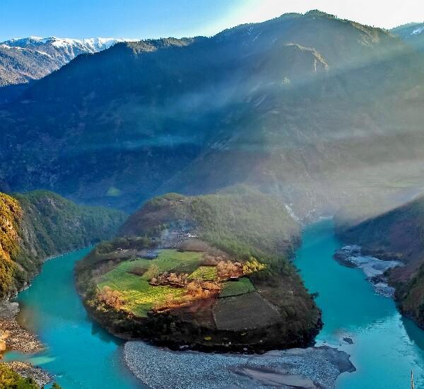 8-Day Yunnan Tour of the Nu River and Tengchong