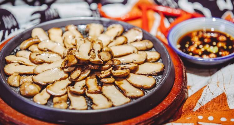 Butter-fried matsutake