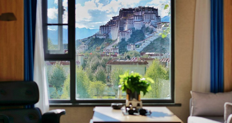 the hotel room with Potala Palace view