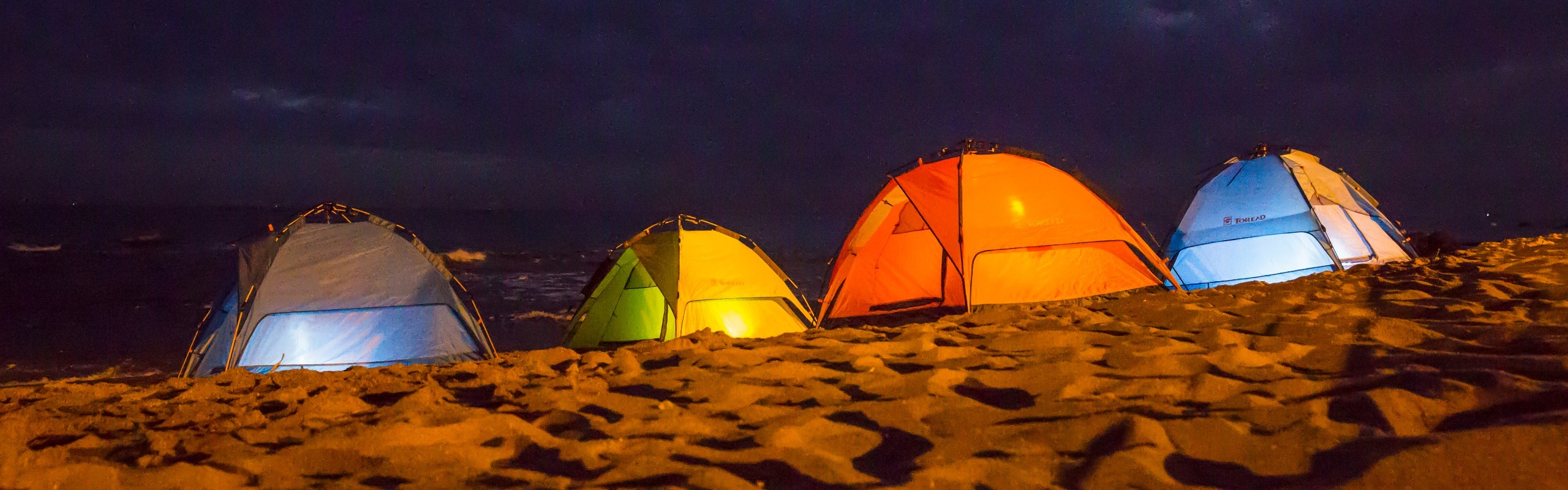6-Day Huitengxile Grassland and Kubuqi Desert Tour with Hiking and Camping