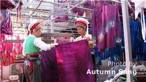 zhoucheng elaborate batik crafts