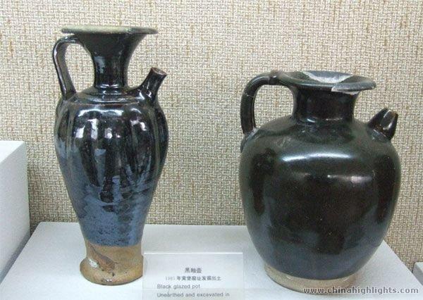 Ceramic pots at the Yaozhou Ceramic Kiln Museum